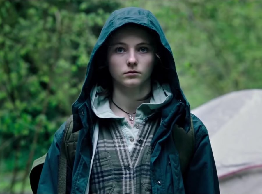 Seahorse pendant necklace Thomasin McKenzie in Leave No Trace (2018)