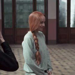 Grey sweatshirt Dakota Johnson in Suspiria (2018)
