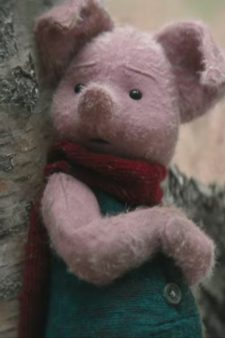 Piglet Plush in Christopher Robin (2018)