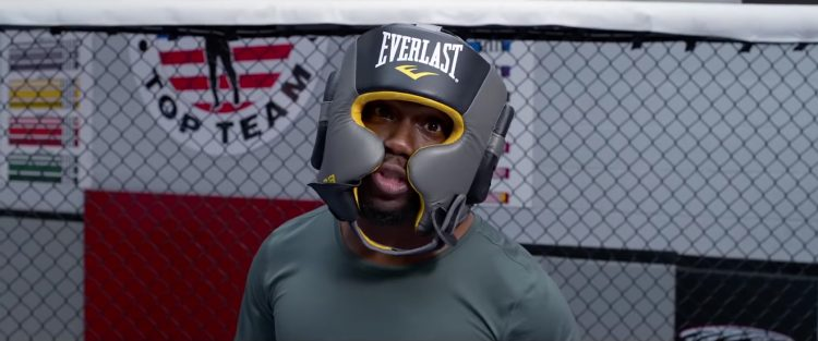 Everlast headgear Kevin Hart in Night School (2018)