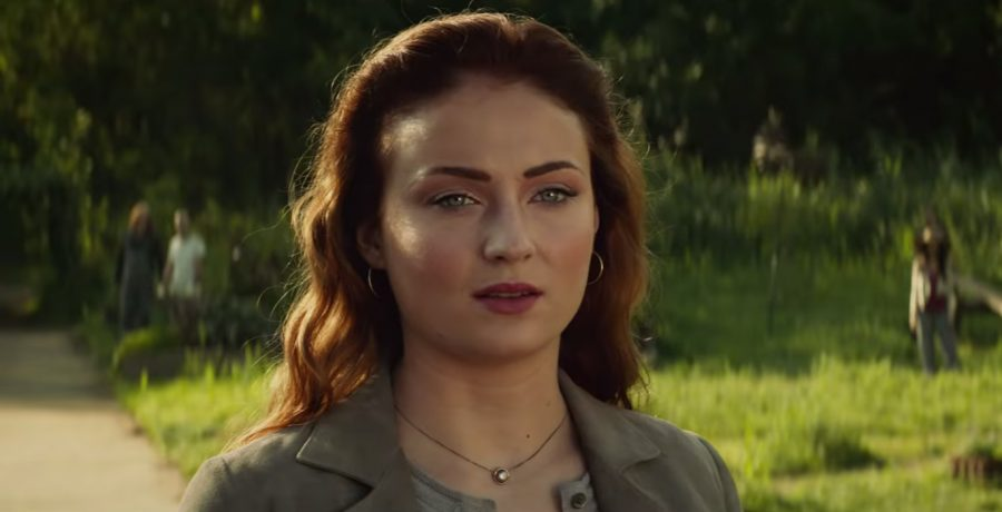 Pendant necklace Sophie Turner in Dark Phoenix (2019)