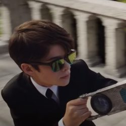 Sunglasses Ferdia Shaw in Artemis Fowl (2019)