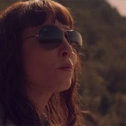 Sunglasses Noomi Rapace in Close (2019)