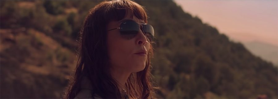 Sunglasses Noomi Rapace in Close (2019)