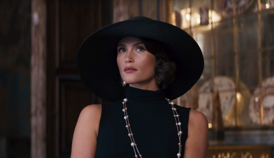 Large black Sun Hat Gemma Arterton in Murder Mystery