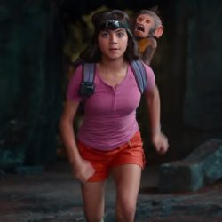 Pink henley shirt Isabela Moner in Dora and the Lost City of Gold