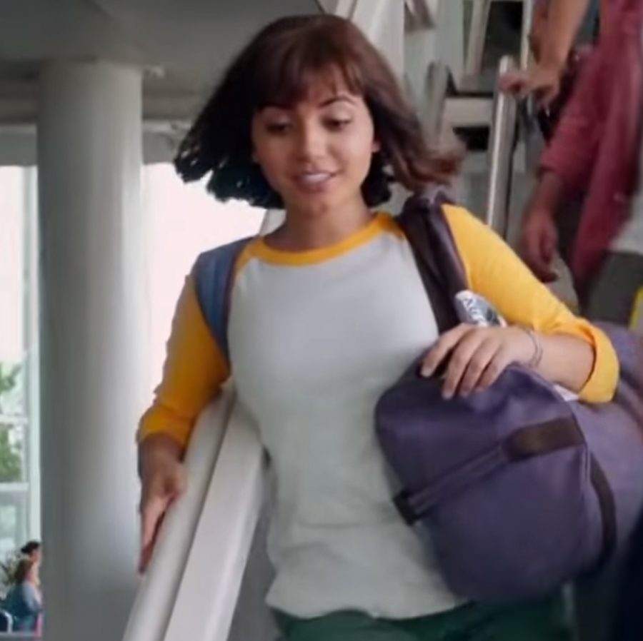Raglan t-shirt Isabela Moner in Dora and the Lost City of Gold