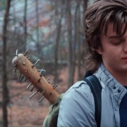Spike baseball bat Joe Keery in Stranger Things