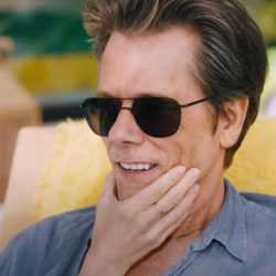 Black sunglasses Kevin Bacon in You Should Have Left