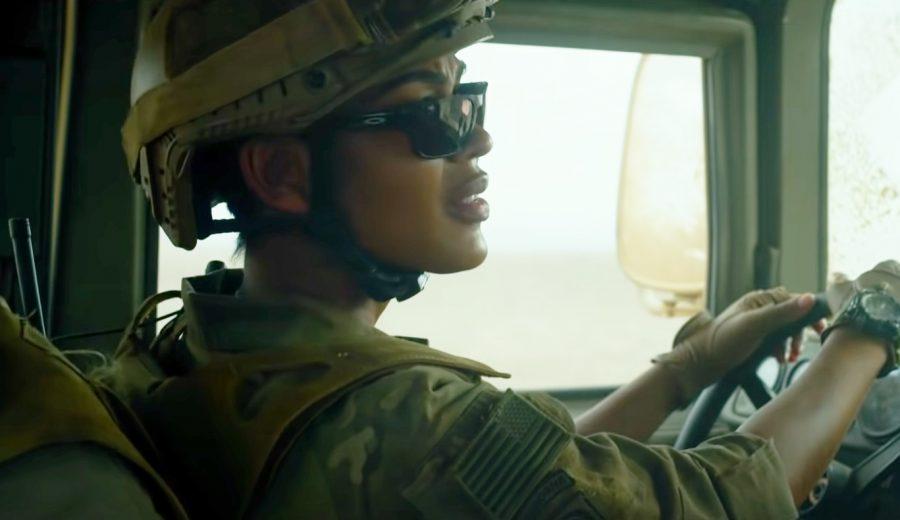 Sunglasses Meagan Good in Monster Hunter