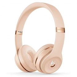 Beats Headphones Thomasin McKenzie in Last Night in Soho